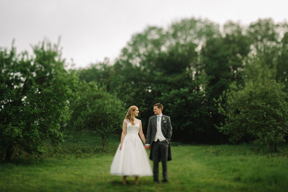 A beautiful summer wedding at the knowle country house kent